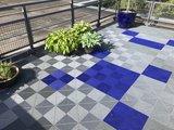 Blauwe antislip terrastegels